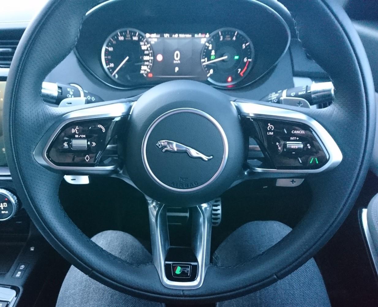 Jaguar E-PACE R-Dynamic S P250 steering wheel