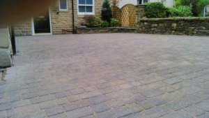 Plaspave-Sorrento-block-paving-driveway-area-restored-perfectly..jpg