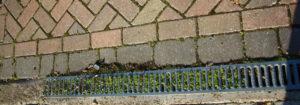 pressure-wash-driveway-drainage