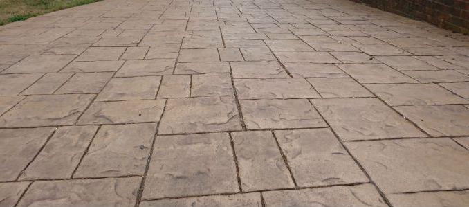 concrete imprinted driveway