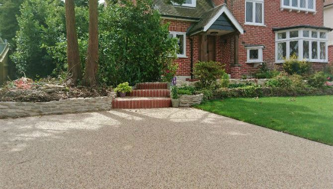 Resin driveway costs thinking of a diy kit need a professional diy resin driveways driveway home improvements solutioingenieria Gallery