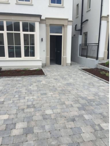https://www.tobermore.co.uk/homeowner/products/block-paving/tegula/