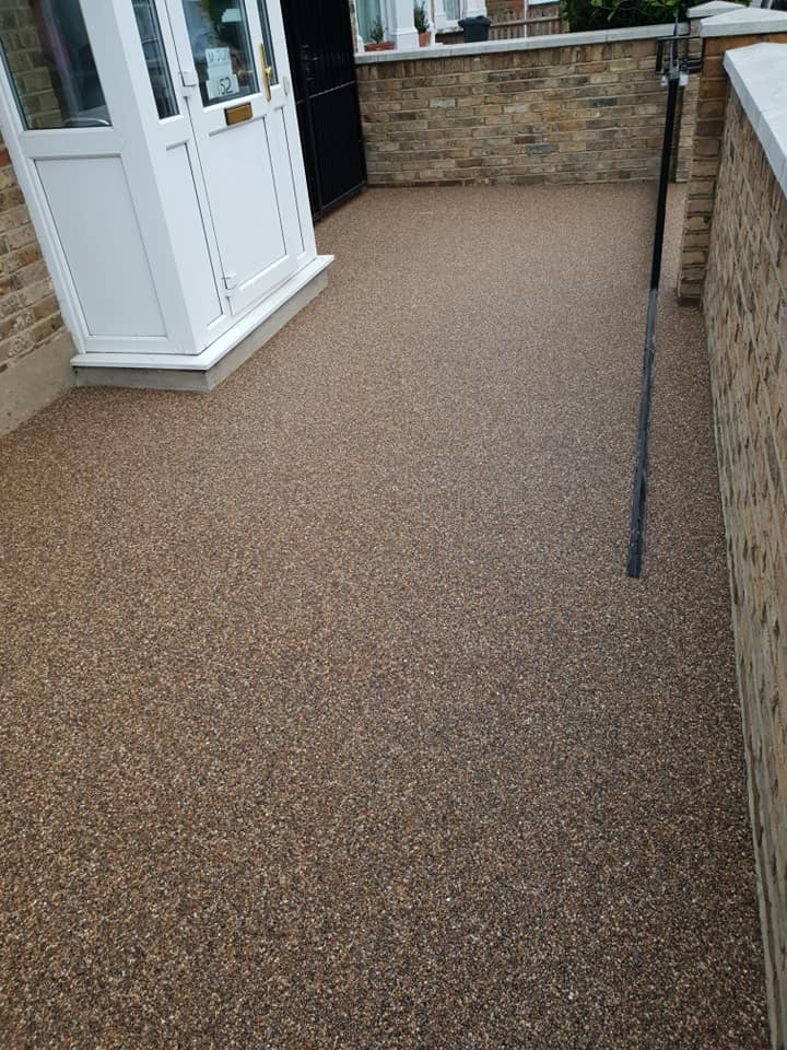 Resin Bound Surfacing Specialists resin driveway finished