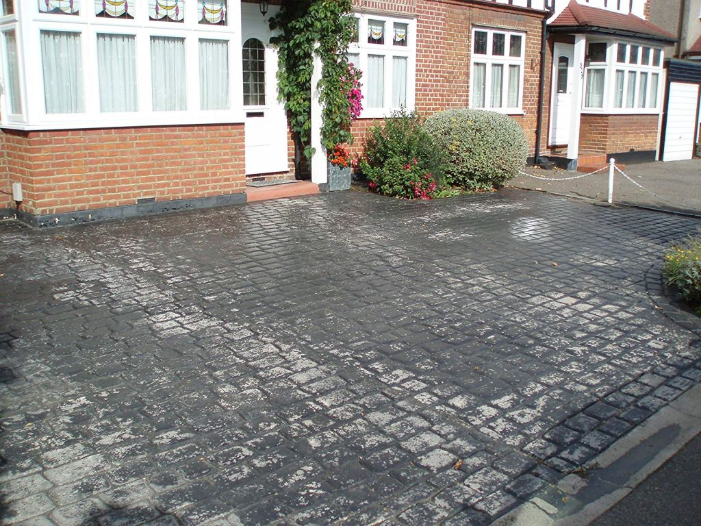 Best Concrete Sealer for Pattern Imprinted Driveway before sealing image