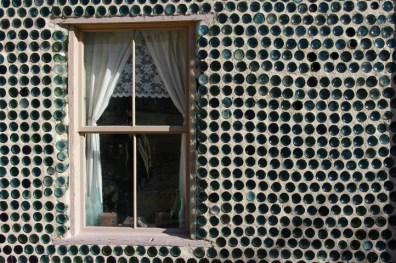 8-Bottle window