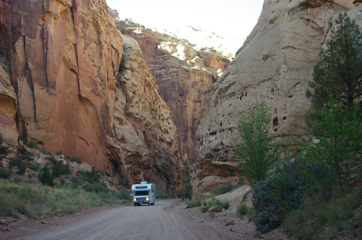 An RV attempting the rough drive to the trailhead.