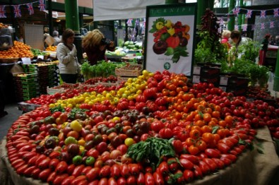 Also, most gorgeous display of tomatoes, ever.