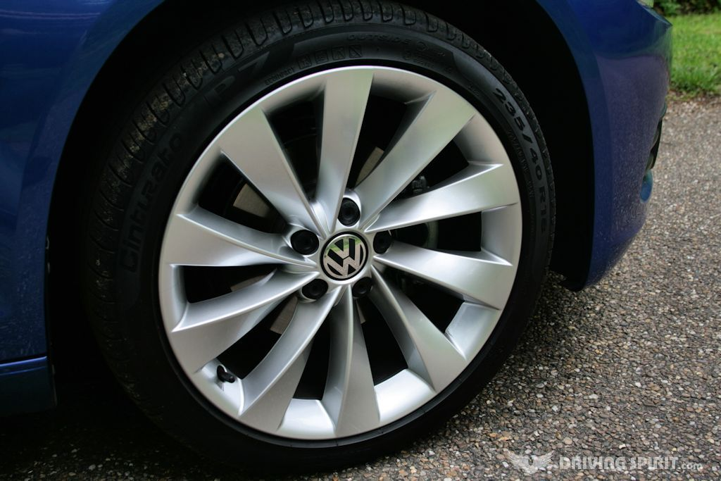 Volkswagen Scirocco GT TDI Bluemotion Wheel
