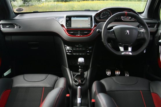 Peugeot 208 GTI Interior