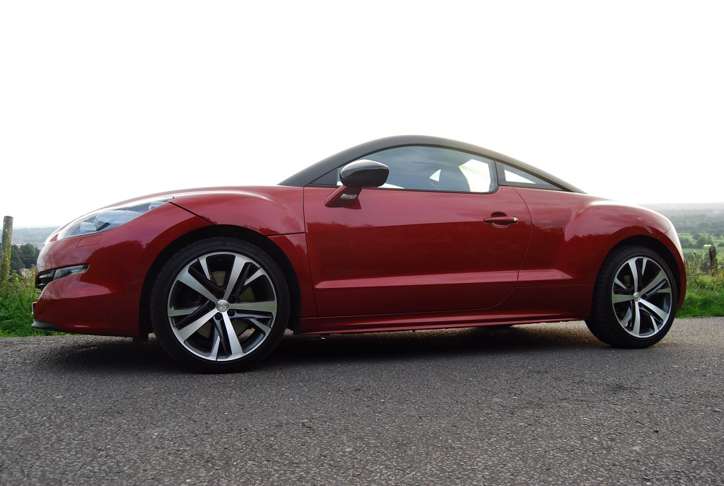Those lines are attractive, to say the least peugeot rcz gt