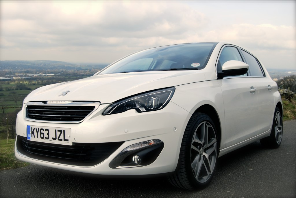 Peugeot 308 THP front 3-4 low