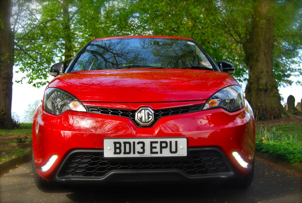 MG3 3Form Sport front1