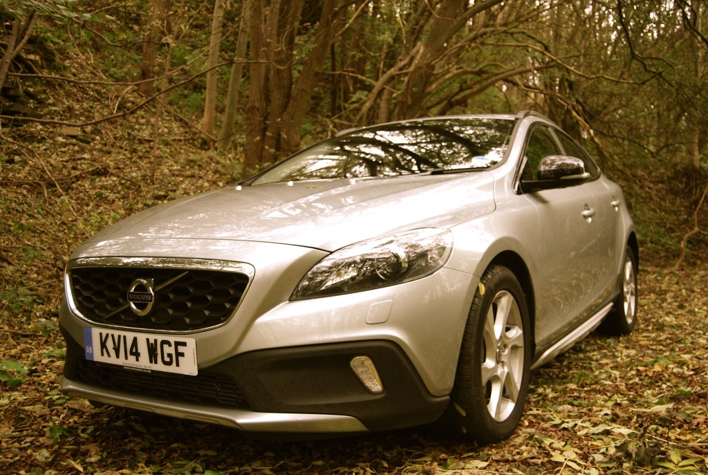 Volvo_v40_Cross_Country_front