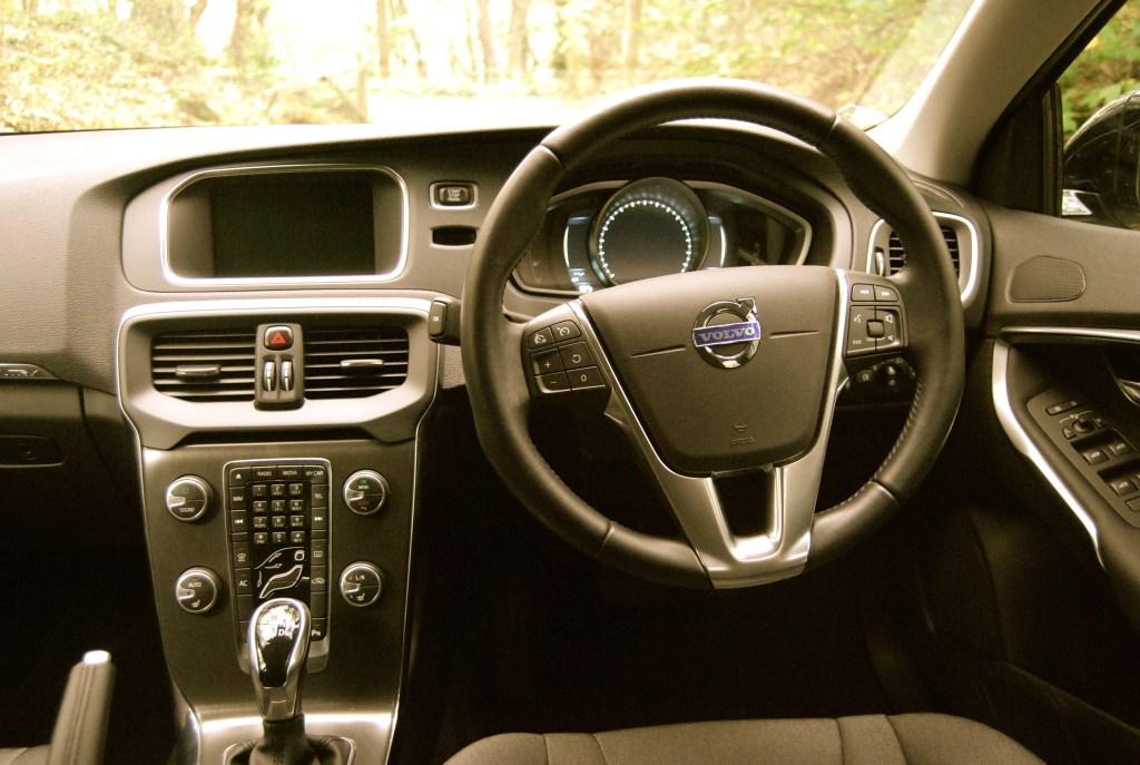 Volvo_V40_Cross_Country_interior