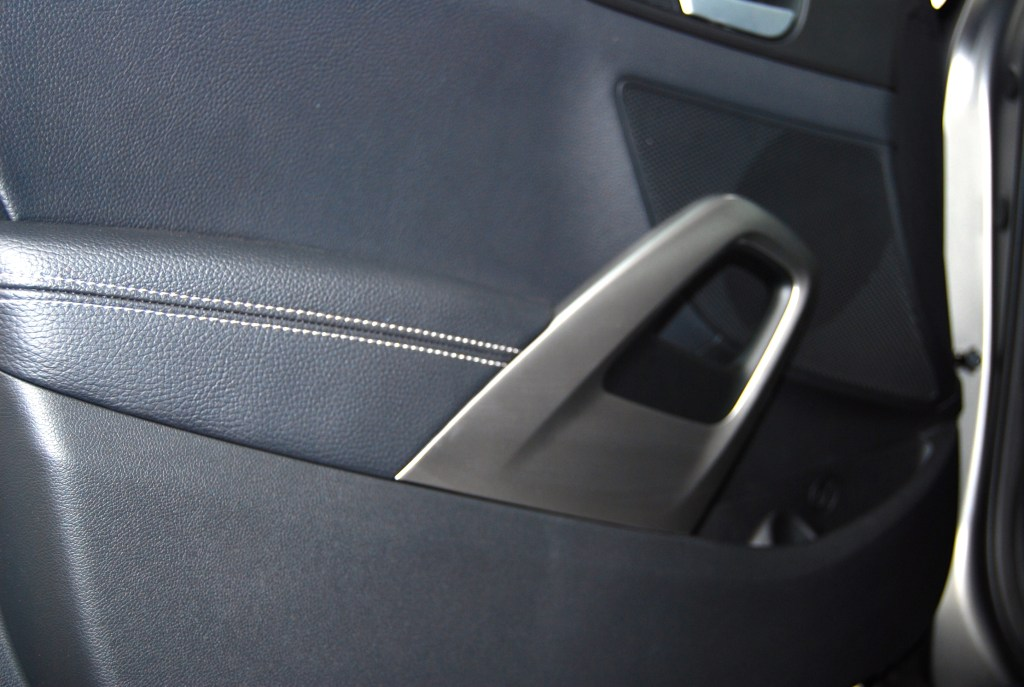 door pulls - not usually something I get excited about.....veloster_turbo