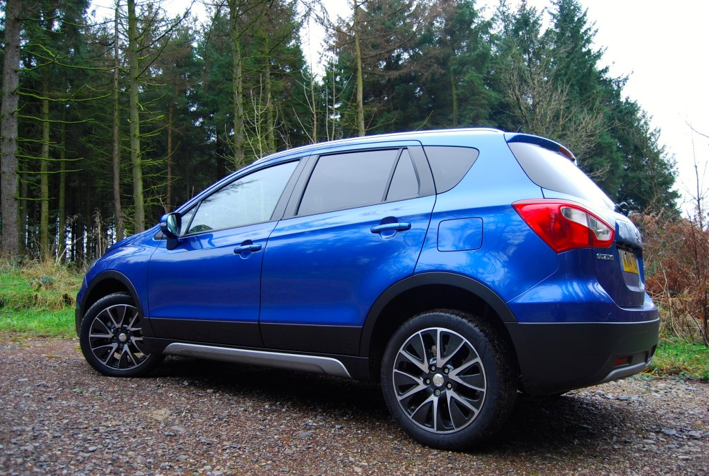suzuki_s-cross_side_blue