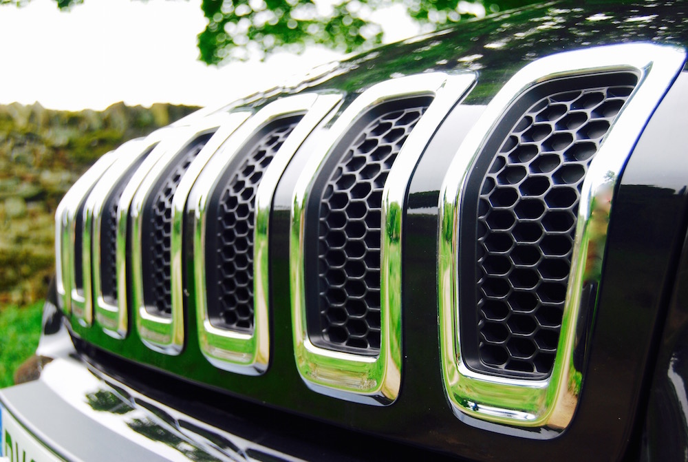 jeep_cherokee_front_grille