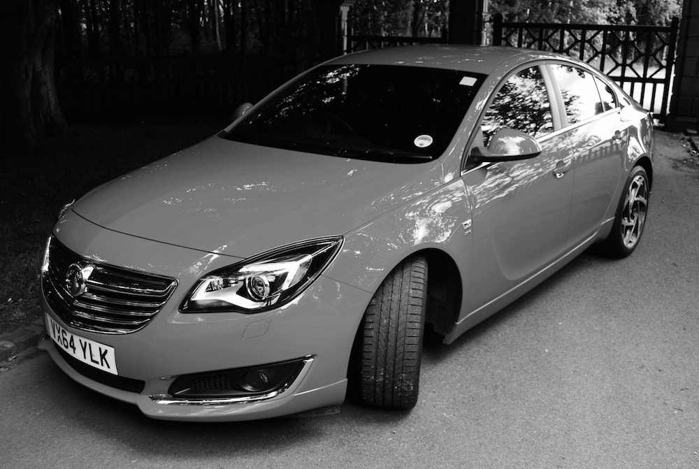 vauxhall_insignia_sri_vx_line_front_and_side