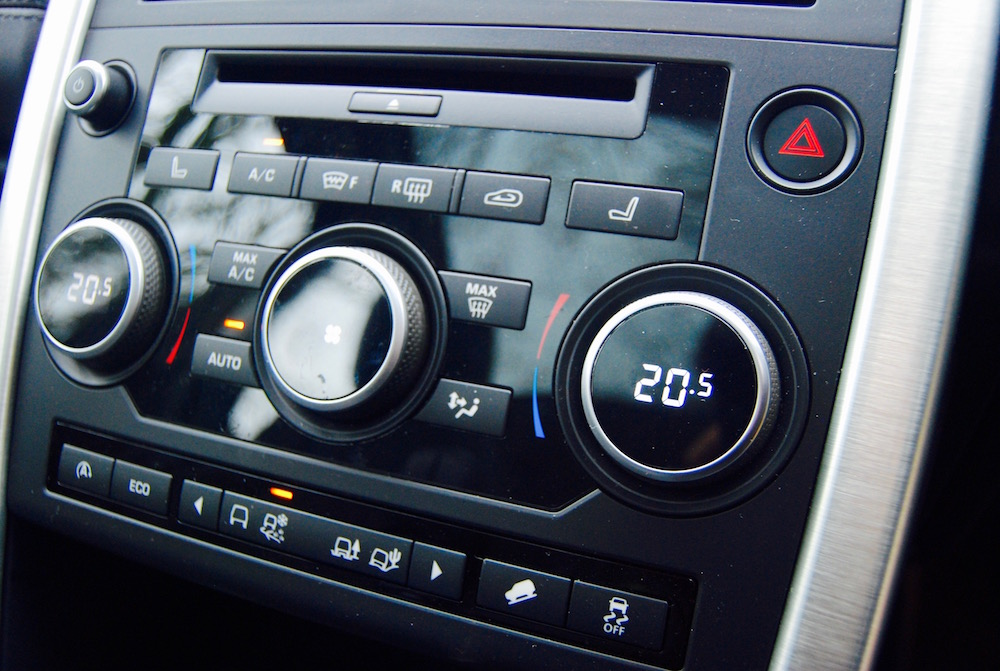 Discovery Sport dials