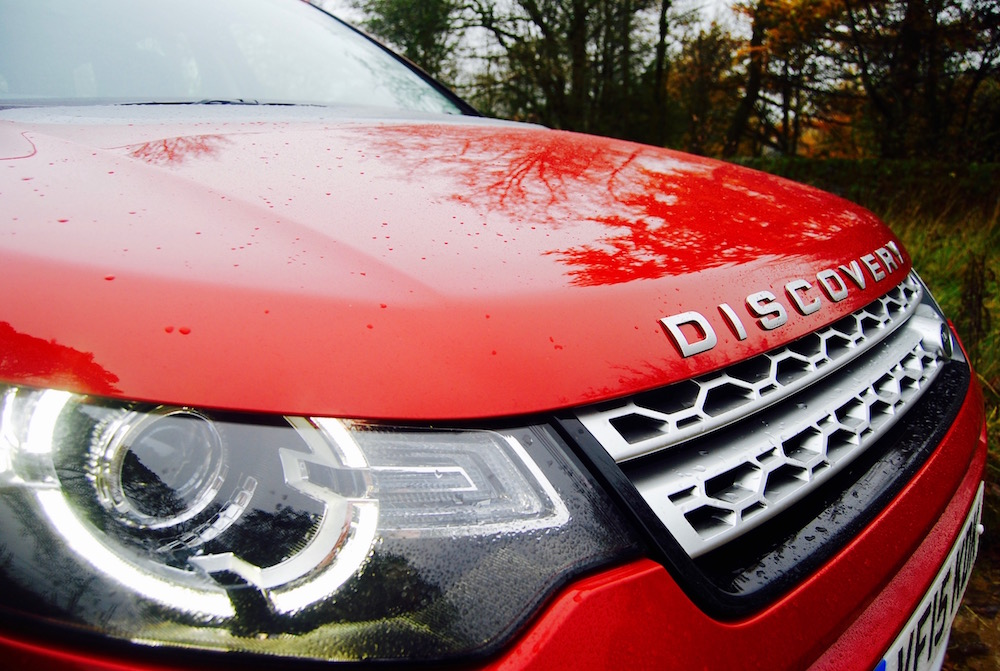 Discovery Sport headlight red