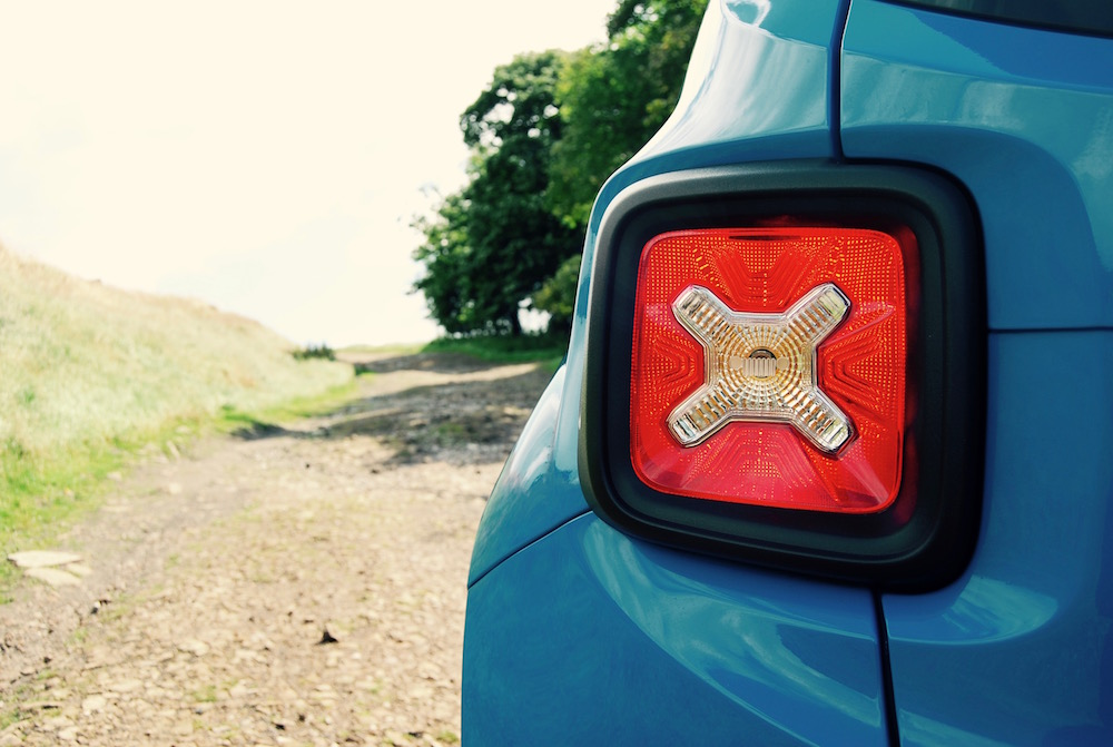 jeep renegade rear light review