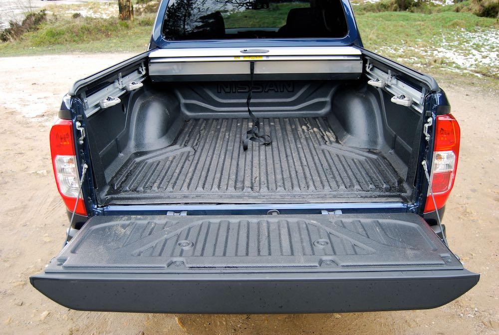 Nissan Navara Tekna blue load area