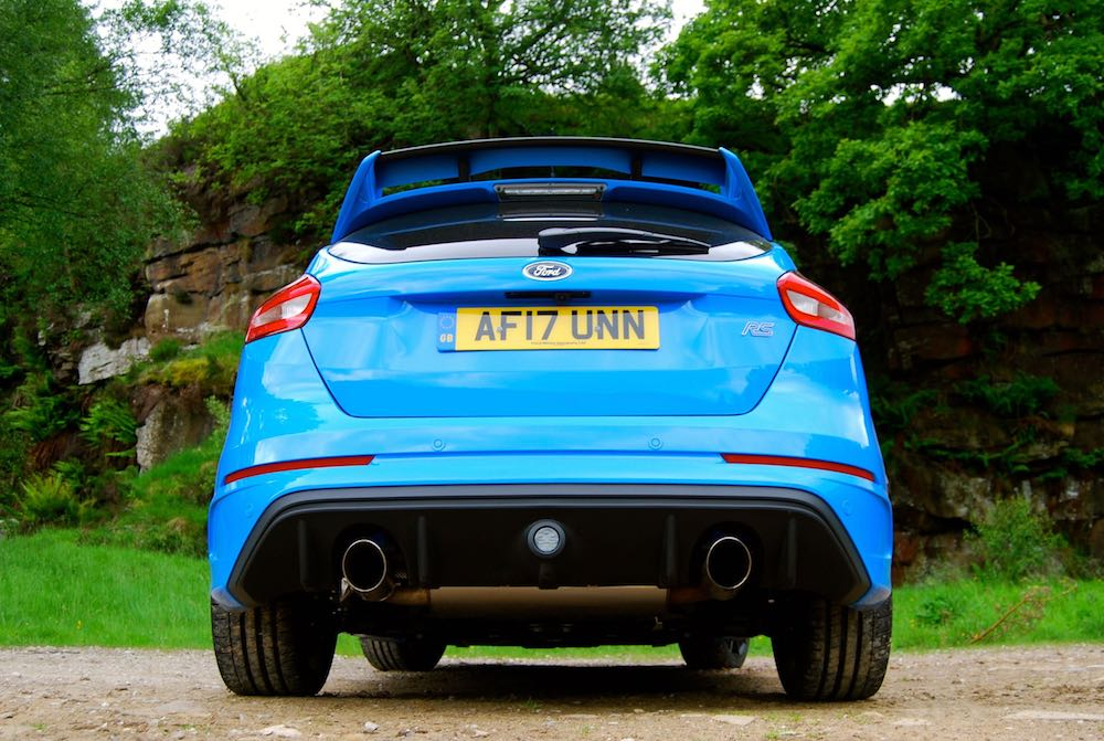 Ford Focus RS Nitrous Blue rear exhaust