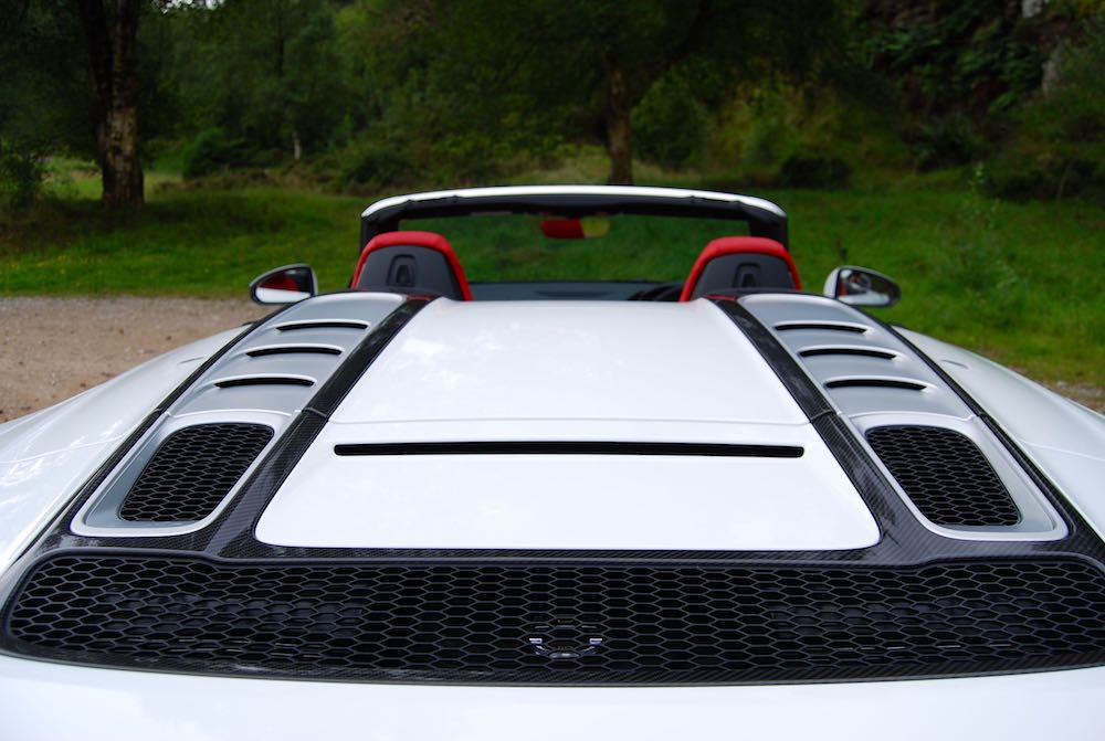 Audi R8 Spyder white engine cover