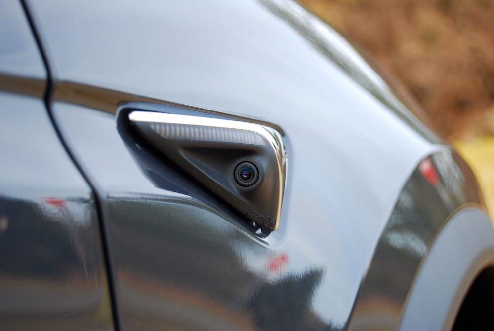 Tesla Model X wing camera