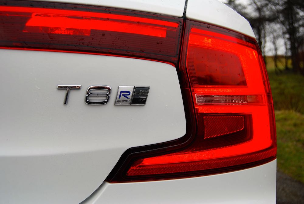 volvo s90 t8 badge