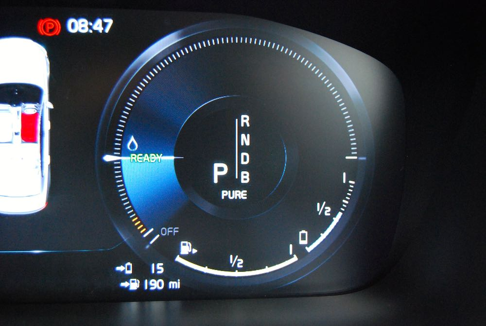 volvo s90 t8 dash screen