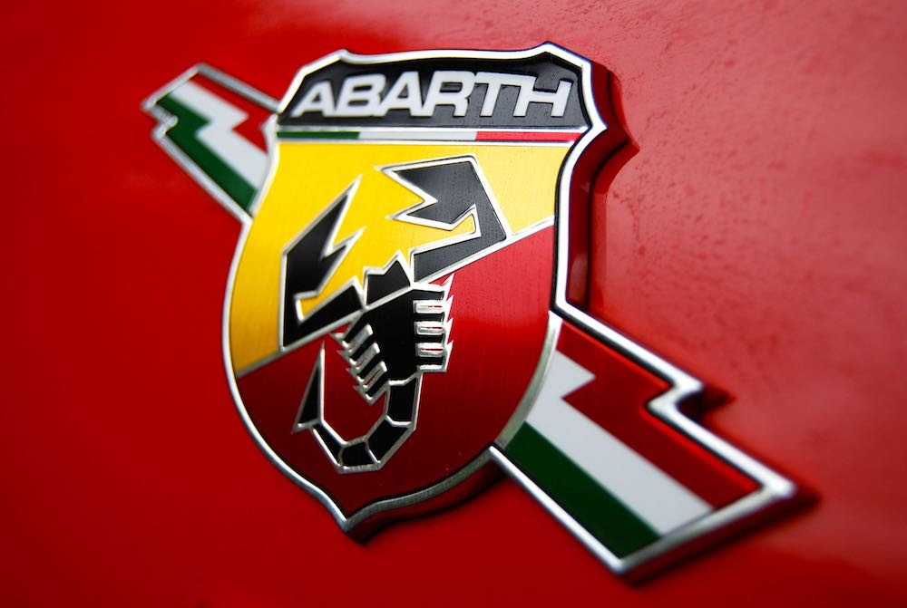 abarth 595 scorpion badge