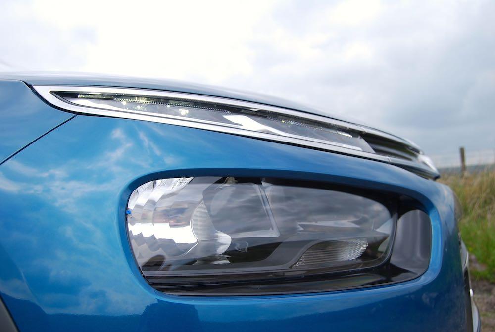 2018 citroen c4 cactus blue headlight