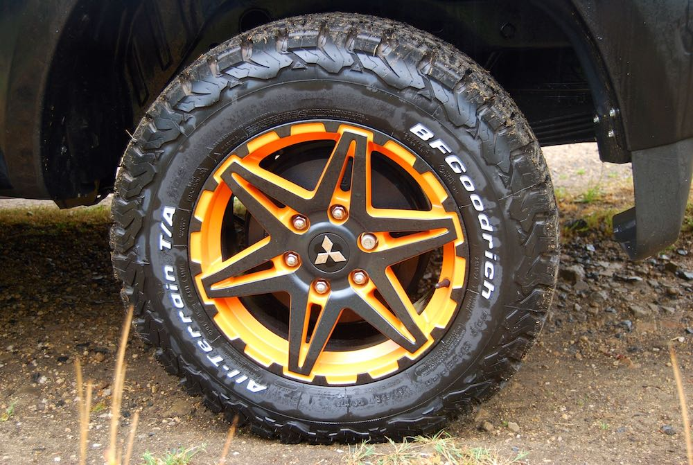 mitsubishi l200 barbarian svp 2 orange wheel