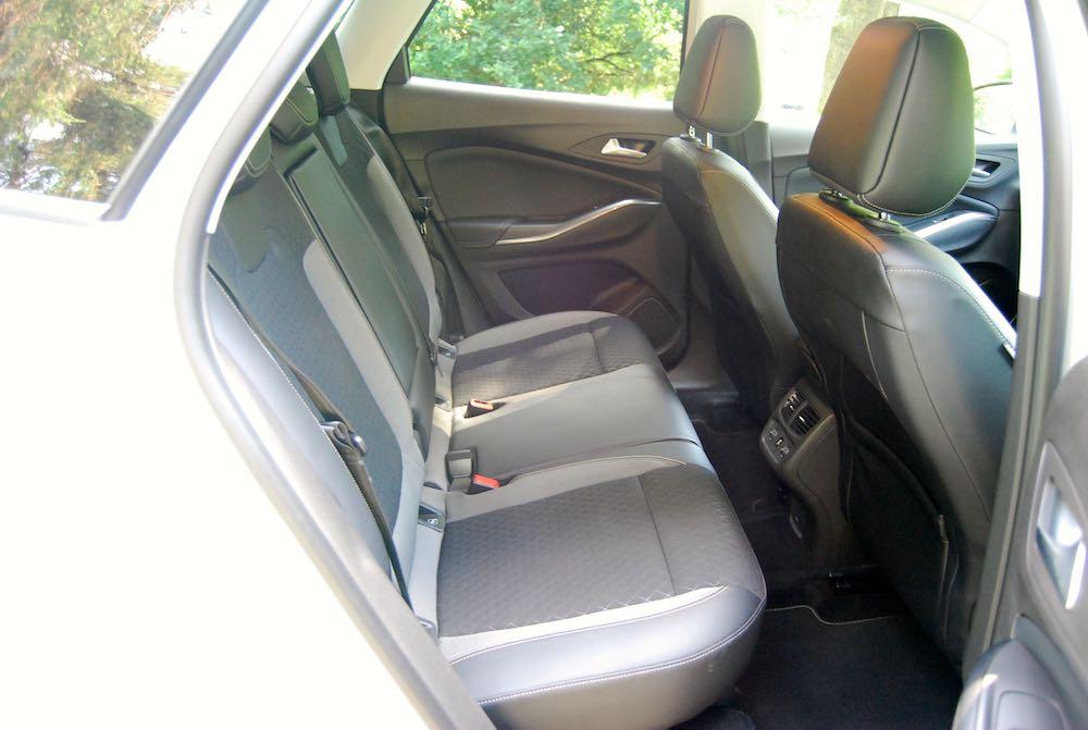 vauxhall grandland x rear seats