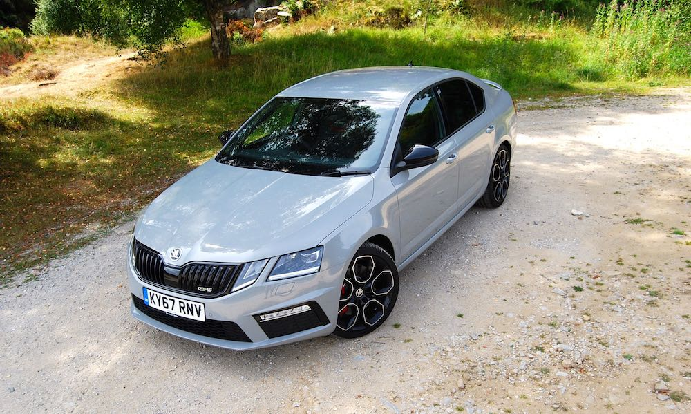Skoda Octavia vRS 245 grey front side