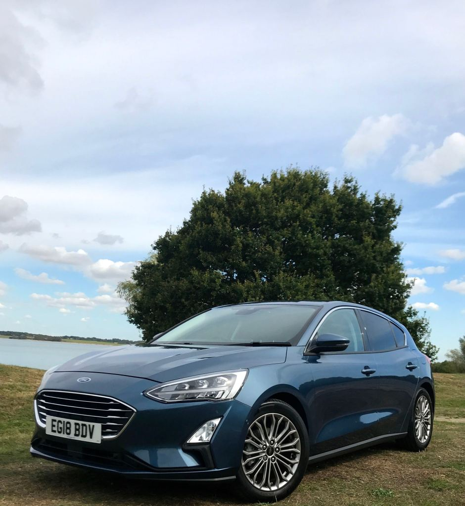 2019 Ford Focus blue front side review