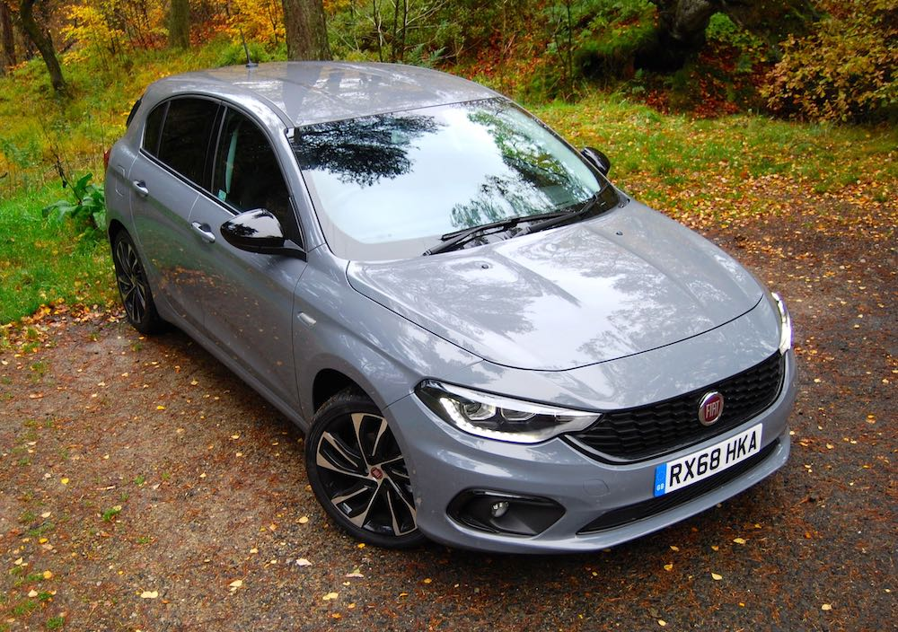 fiat tipo egea neon grey front side high review roadtest