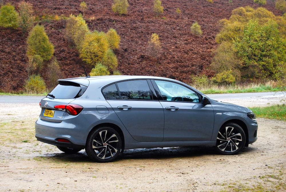 fiat tipo egea neon grey side rear review roadtest