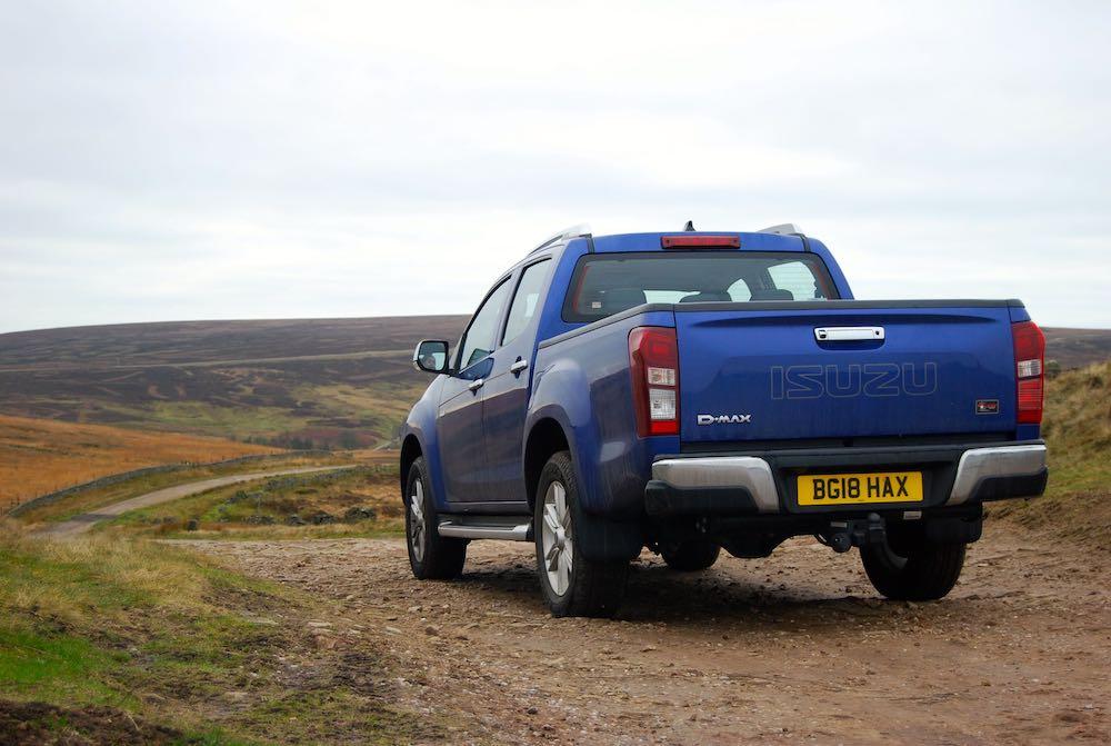 isuzu d-max utah blue rear side review roadtest