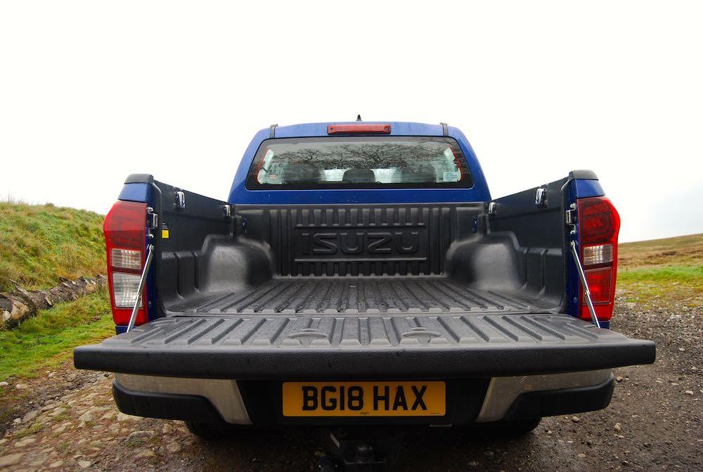 isuzu d-max utah load bed blue review roadtest
