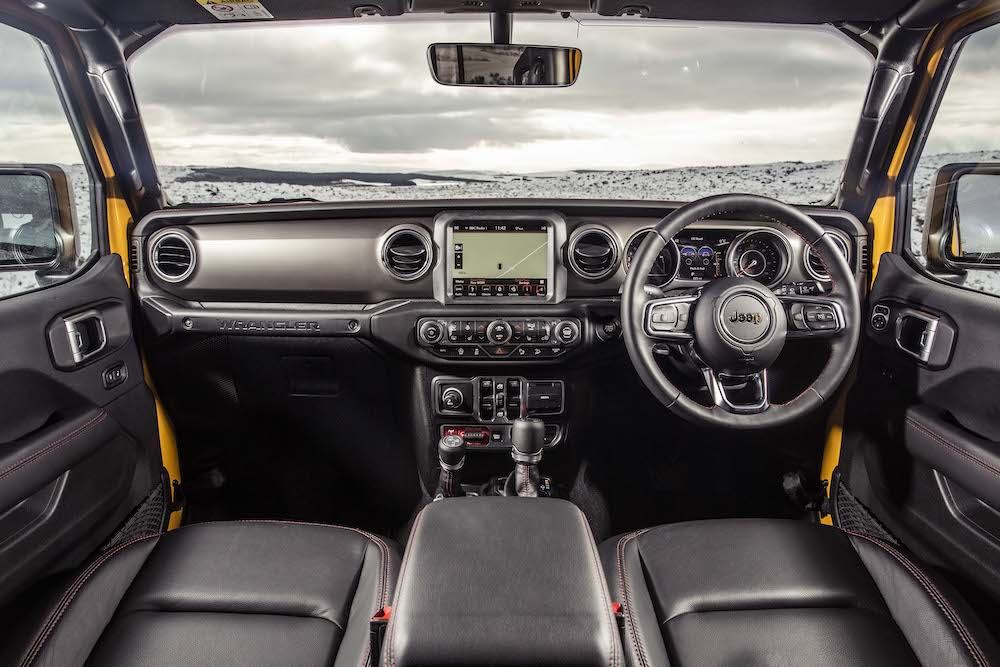 2019 Jeep Wrangler jl interior cabin review roadtest