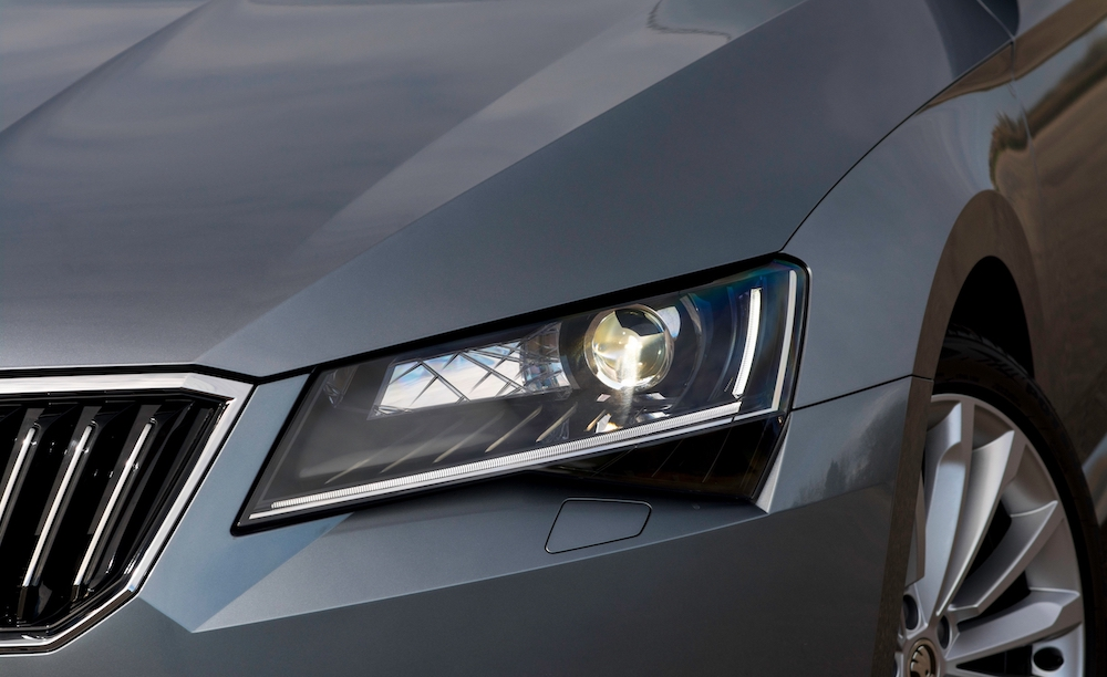 2019 skoda superb front headlight review roadtest