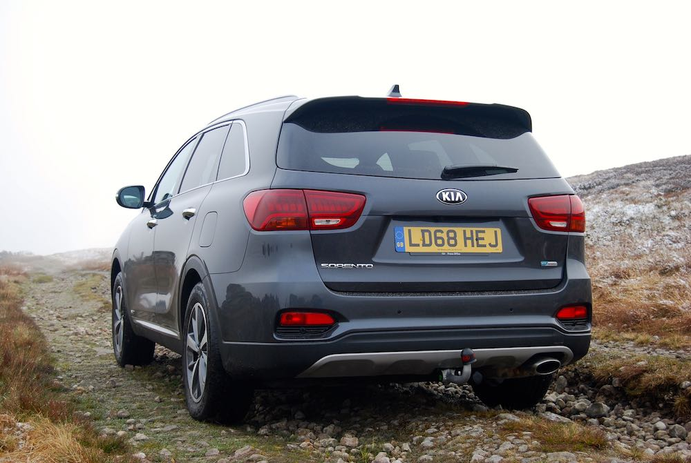 2019 kia sorento grey rear side review roadtest