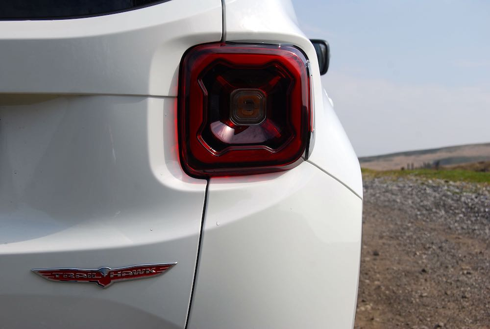Jeep Renagade Trailhawk white rear light review roadtest