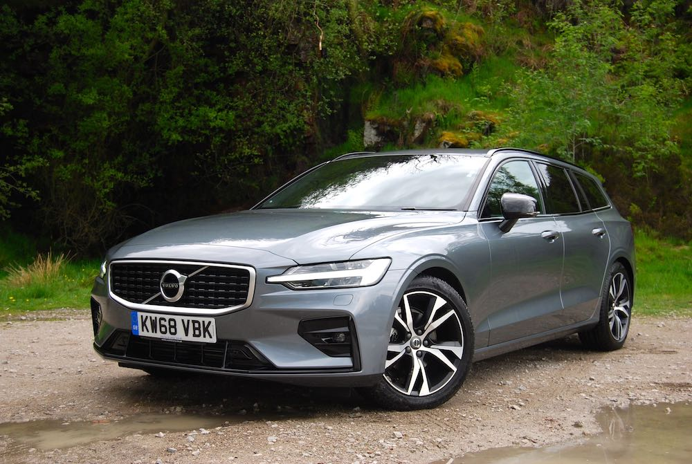 2019 volvo v60 grey front side review road test r design