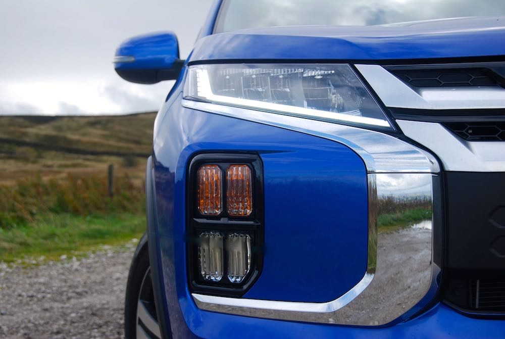 2019 mitsubishi asx front headlights review roadtest