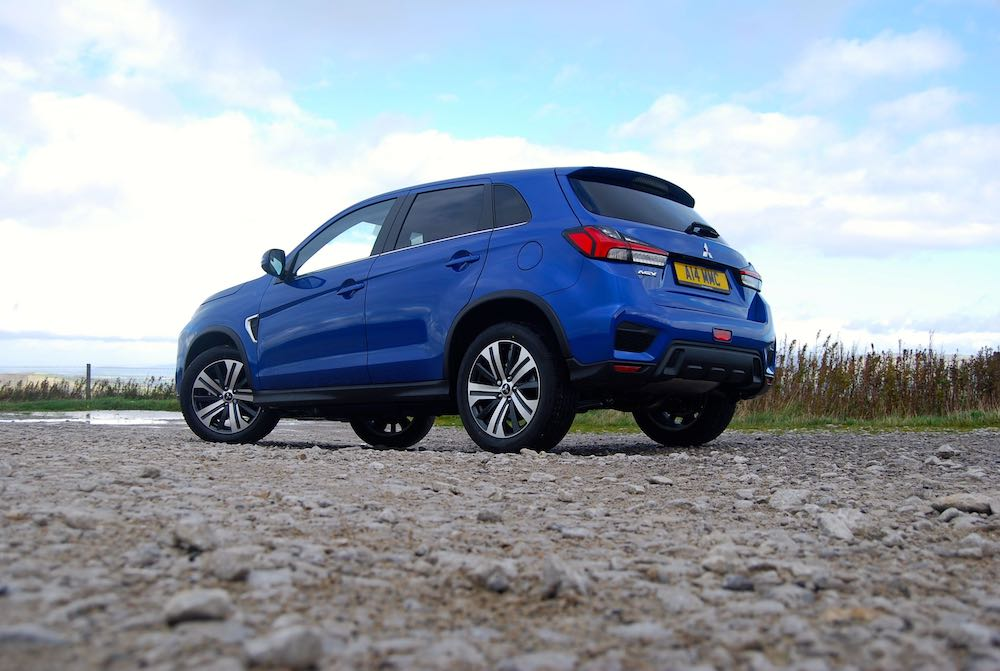 2019 mitsubishi asx side low blue review roadtest