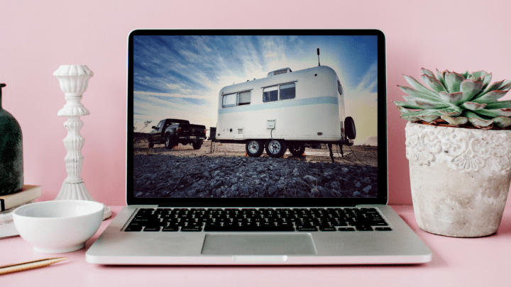 Full Time RV Jobs: Social Media Marketing on the Road