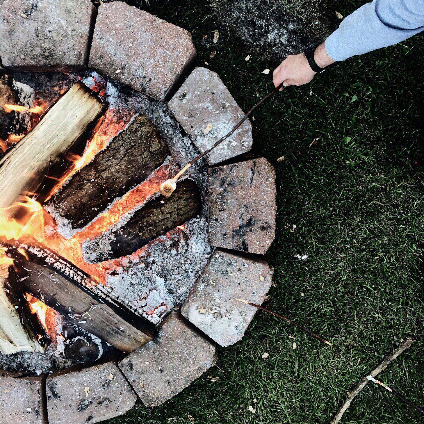 campfire_t20_e8JL8K.jpg